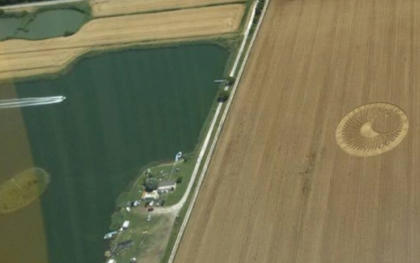 Best picture of a speedboat approaching a crop circle ever!